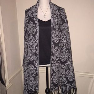 Exquisite Scarf and Wrap from Avenue